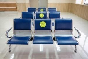 sticker-adhesif-laissez-cette-place-libre-respecter-distanciations-sociales-geste-barriere-autocollant