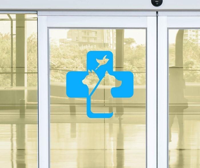 150121_autocollant-vitrophanie-veterinaire-vitrine-entreprise